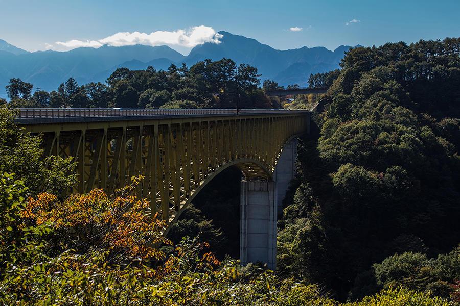 07.高原大橋からの八ヶ岳と川俣川渓谷 08