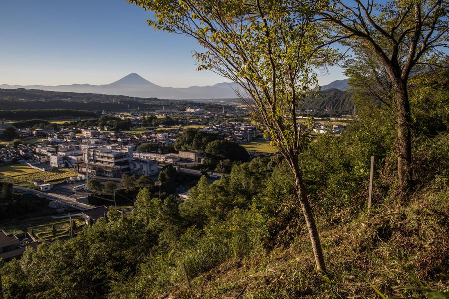 須玉ふるさと公園から望む富士山