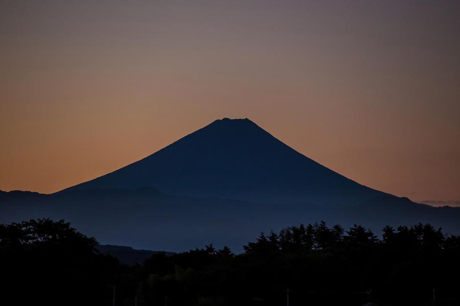 高根町村山東割から望む富士山