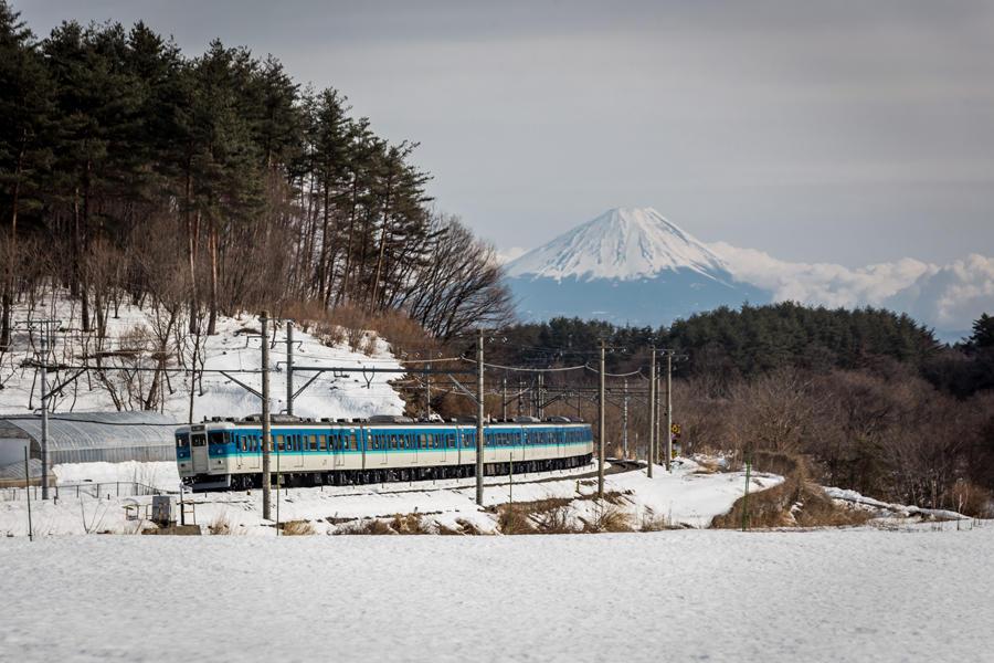 三峰の丘から望む富士山
