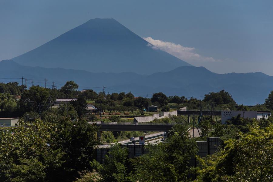 明野町上手から望む富士山